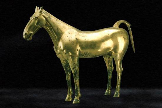 """国宝""""鎏金铜马""""在陕西历史博物馆对外开放"""
